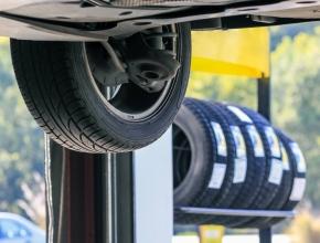Ušetřete za přezutí na zimu! Nakupte u nás pneu a vůz Vám u nás přezujeme se slevou 25%